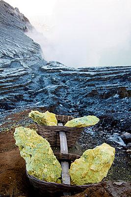 Alien landscape of the Kawah Ijen Sulphur Mines in East Java - p934m1022319 by Dominic Blewett