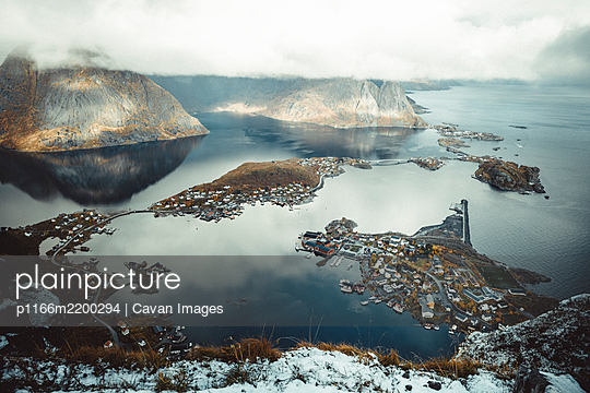 view of the town of reine from the top of Reinebringen - p1166m2200294 by Cavan Images