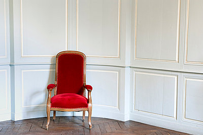 Red chair in blue room - p2480988 by BY