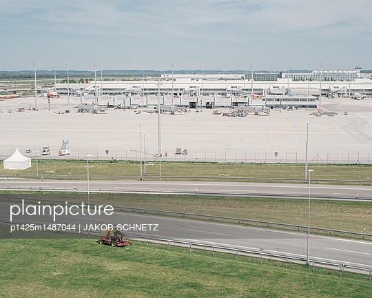 Flughafen München - p1425m1487044 von JAKOB SCHNETZ