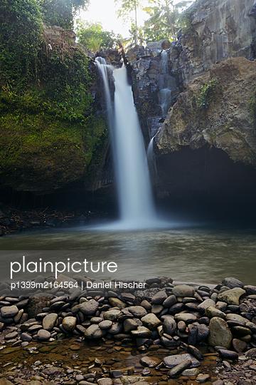 Tegenungan Waterfall - p1399m2164564 by Daniel Hischer