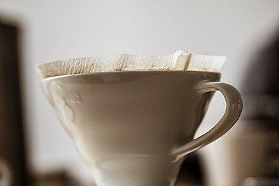 Used porcelain coffee filter - p300m1228174 by Süleyman Kayaalp