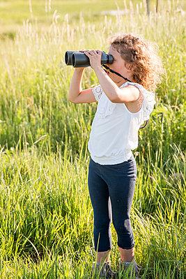 Mädchen in der Natur - p796m2093098 von Andrea Gottowik