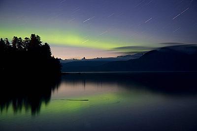 Aurora borealis over Devil's Thumb - p884m863709 by Matthias Breiter