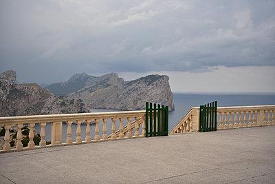 Balkon Cap Formentor - p192m1200544 von Holger Pietsch