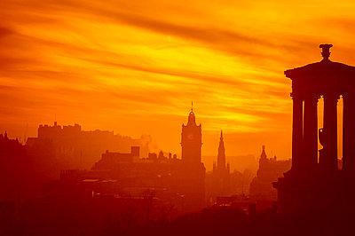 United Kingdom, Scotland, Edinburgh, concept apocalypse - p300m2081480 by Scott Masterton