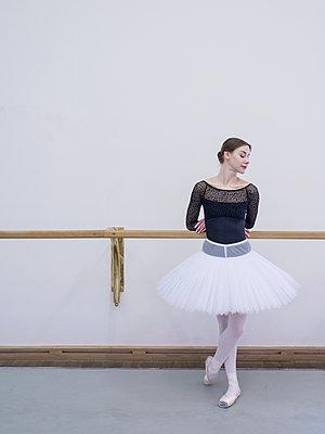Ballerina - p390m2053583 by Frank Herfort