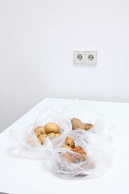 Drei Kartoffelsorten - p237m793479 von Thordis Rüggeberg