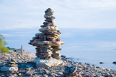 Rock stack - p312m1070537f by Hans Bjurling