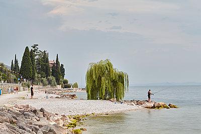 Menschen am Gardasee - p1294m1508118 von Sabine Bungert