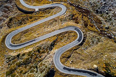Switzerland, Grisons, Swiss Alps, Julier pass, aerial view - p300m2042977 by Stefan Schurr