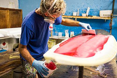 Surfbrett-Werkstatt - p1142m1000501 von Runar Lind