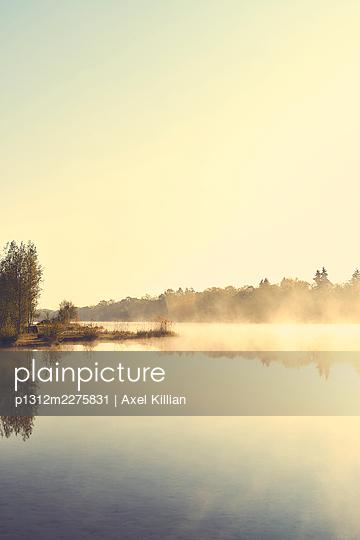 Lakeside - p1312m2275831 by Axel Killian