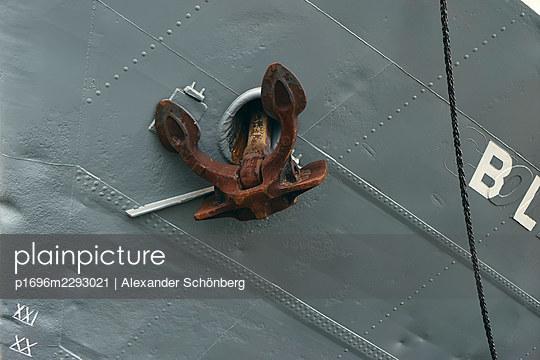 Anchor - p1696m2293021 by Alexander Schönberg