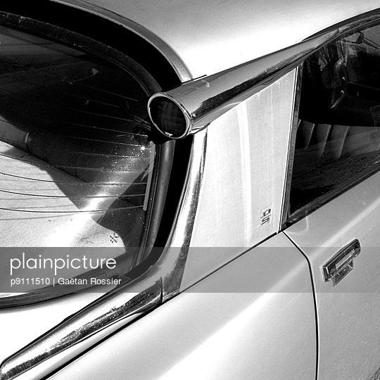 Vintage car - p9111510 by Gaëtan Rossier