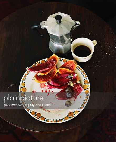 Coffee and fig - p453m2152858 by Mylène Blanc