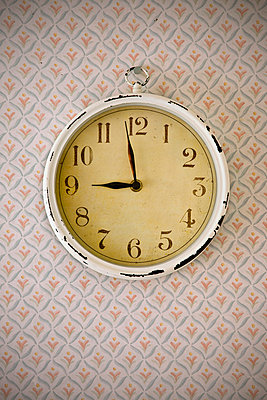 Close-up of an old-fashioned wall clock - p1025m788505f by Mujo Korach