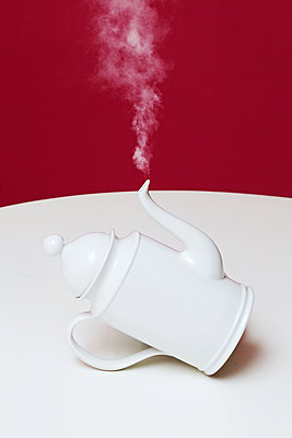 White coffee pot - p1540m2100960 by Marie Tercafs