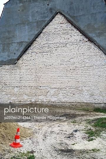 Baustelle - p237m1214344 von Thordis Rüggeberg