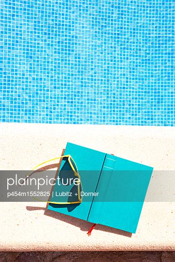 Summer novel - p454m1552825 by Lubitz + Dorner