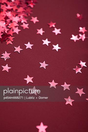 Für dich soll´s rote Sterne regnen - p454m668271 von Lubitz + Dorner