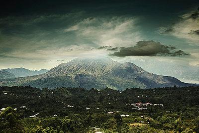 Gunung Batur - p1038m901095 by BlueHouseProject