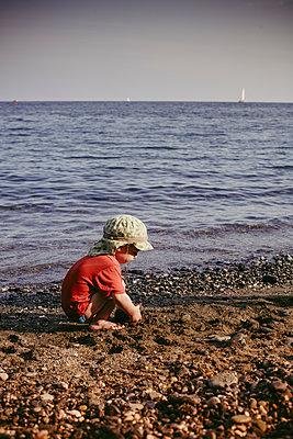 Kind am Meer - p1398m1444603 von Tabitha Genoveva Harter