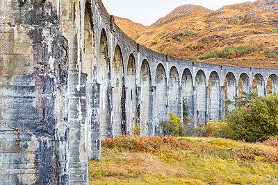 UK, Scotland, Highlands, Glenfinnan viaduct - p300m2013260 by William Perugini