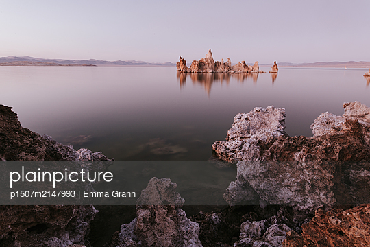 Mono Lake - p1507m2147993 by Emma Grann