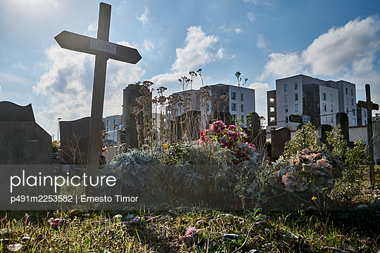 Abandoned cemetery - p491m2253582 by Ernesto Timor