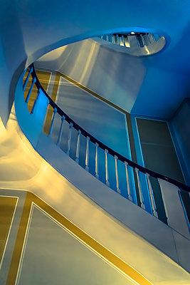 Treppenhaus, spiralförmig - p1170m2081712 von Bjanka Kadic