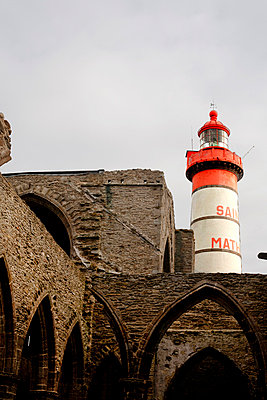 Lighthouse near an old ruin - p9400079 by Bénédite Topuz