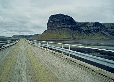 Road to Kirkjubaejarklaustur - p9791076 von Holger Gruss