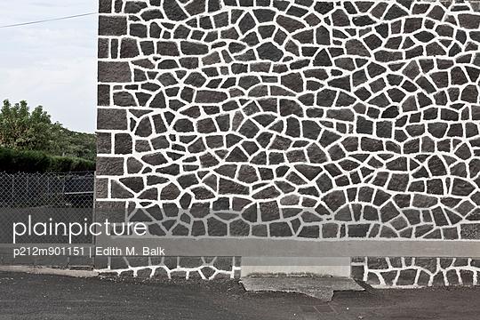 Fassadenmuster - p212m901151 von Edith M. Balk