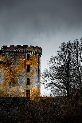 Altes Château in Frankreich - p248m1538255 von BY