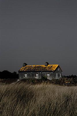 Altes Haus am Meer - p2481276 von BY
