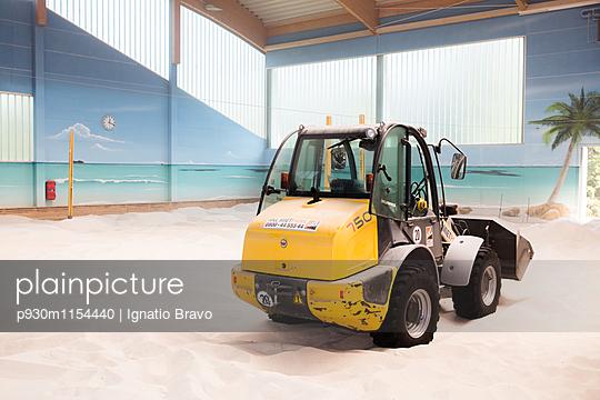 Beachvolleyball - p930m1154440 von Phillip Gätz