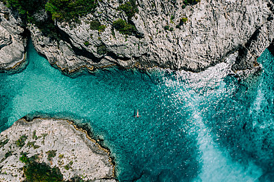 Cliff line and turquoise water, Zakynthos - p713m2289210 by Florian Kresse