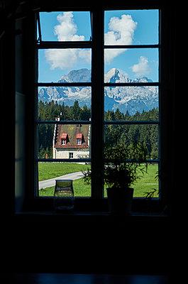 Blick aus dem Fenster - p1146m1218894 von Stephanie Uhlenbrock