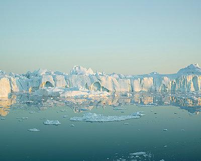 Greenland - p1087m854213 by Jorge Fuembuena