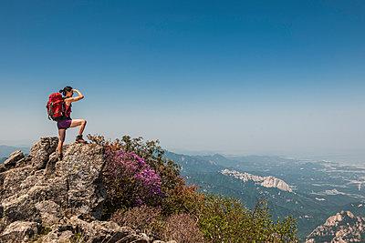 hiking towards Daecheongbong peak at Seoraksan national park - p1166m2268491 by Cavan Images