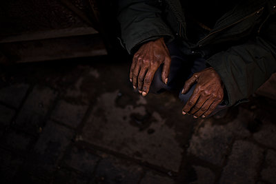 Old hands - p1007m2092427 by Tilby Vattard