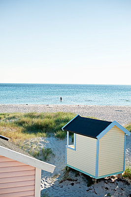 Beach sheds - p312m1552120 by Scandinav Images