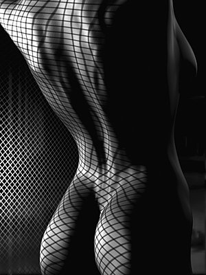 Rücken und Po einer nackten Frau, Illustration - p473m670507f by STOCK4B-RF