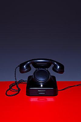 Nostalgic telephone - p1149m2014976 by Yvonne Röder