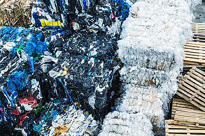Pile of rubbish - p947m1154516 by Cristopher Civitillo