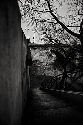 Seine - p1276m1092756 by LIQUID