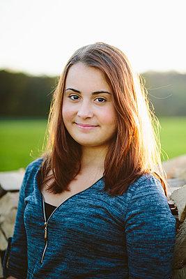 Teenager Mädchen - p946m957555 von Maren Becker
