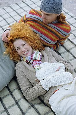Junge Frau mit roten - p4737077f von STOCK4B-RF