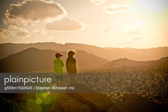 p555m1532545 von Stephen Simpson Inc